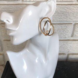 3 Dimensional gold tone pearl earrings